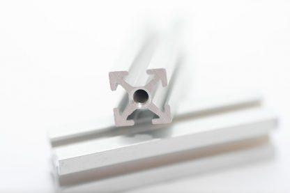 MakerBeam-profiili 900 mm 1 kpl