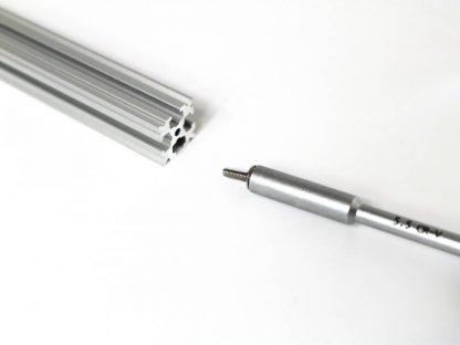 Itsekierteittävä ruuvi OpenBeamille M3, 8mm+2ml SKF LGMT 2